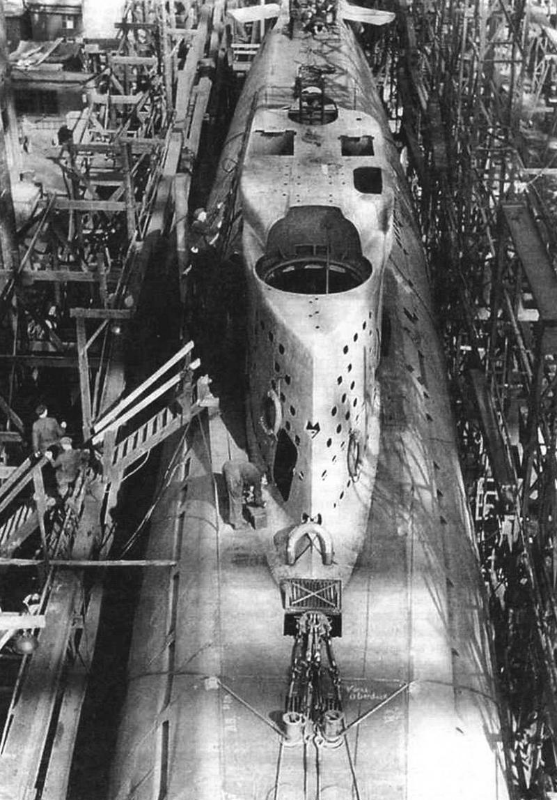 Сборка подволной лодки Typ XXI