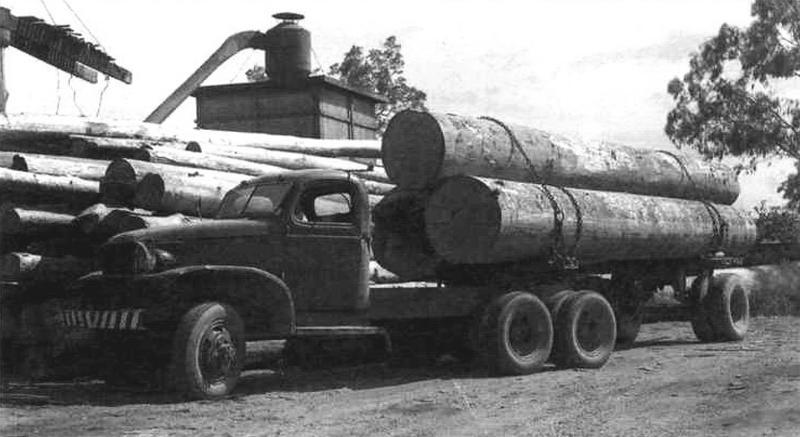 «Джимми» использовался не только в военных целях, но и в качестве трейлера для перевозки древесины