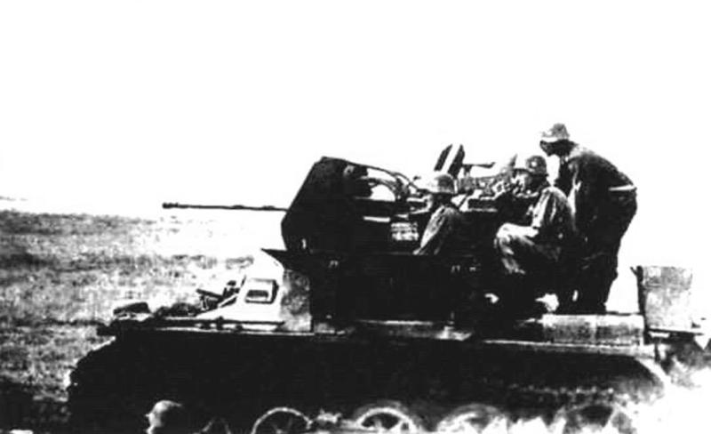 ЗСУ Flakpanzer I с установленной на шасси легкого танка Pz-I 20-мм зенитной пушкой Flak 38