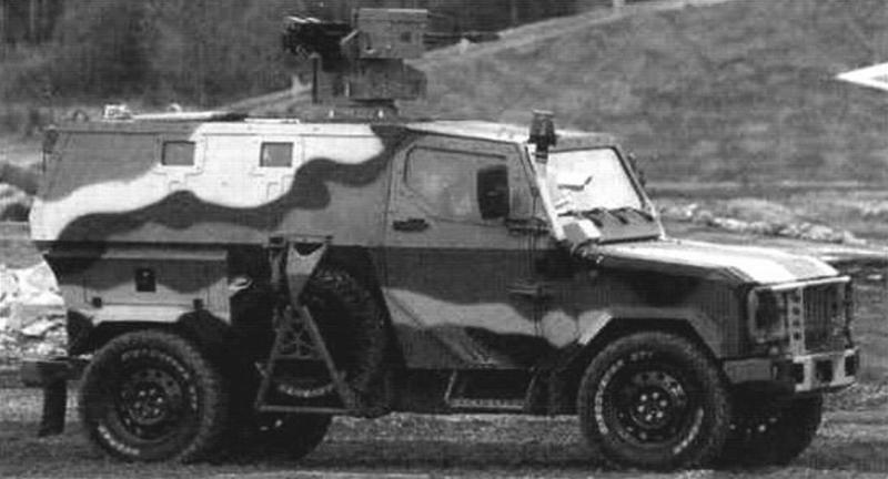 Броневик ЛША-Б. Масса - 3500 кг, скорость - до 130 км/ч. Вооружение - пулеметы типа 12,7-мм «Корд» или 7,62-мм ПКМ, 30-мм автоматический гранатомет АГ-17