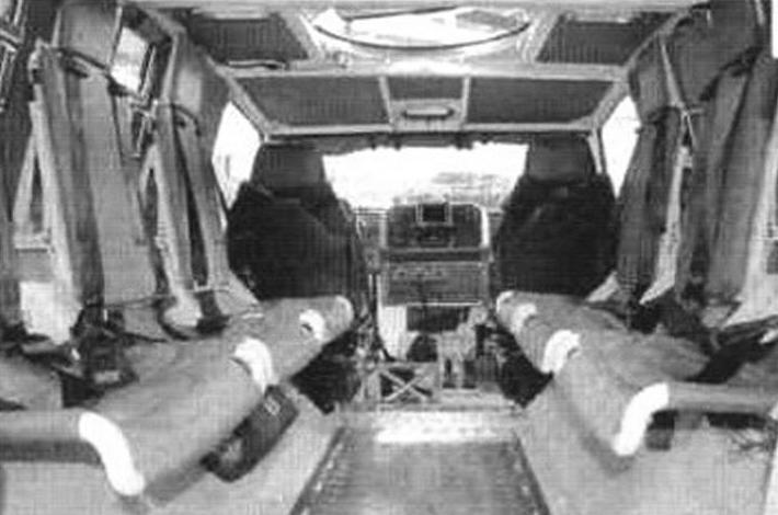 В салоне установлены амортизационные противоминные сиденья, прикрепленные к силовым элементам бортов, на них не перелаются ударные нагрузки при разрушении днища