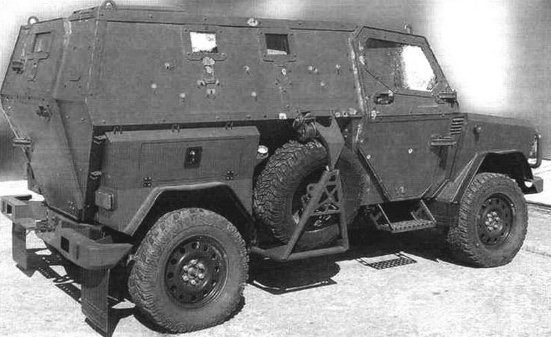 Броневая зашита ЛША-Б соответствует 5-му классу отечественного ГОСТа Р-50963-96. На фото: автомобиль после обстрела из стрелкового оружия