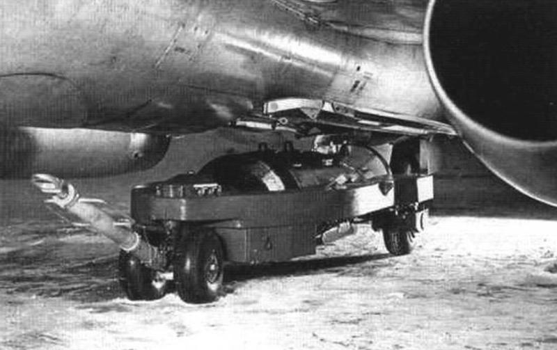 Подвеска бомбы ФАБ-500