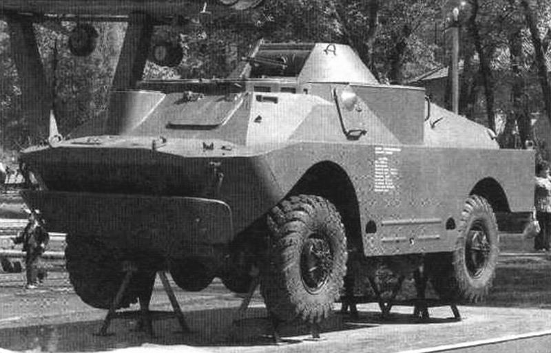 БРДМ-2 с демонтированным вооружением в экспозиции мемориала в г. Воронеже