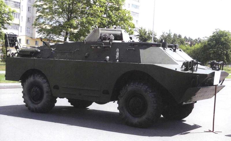 Бронеавтомобиль радиохимической разведки БРДМ-2РХБ с демонтированным пулеметом, г. Бобруйск, июнь 2012 г.