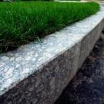 Гранитный бордюр вместо бетонного