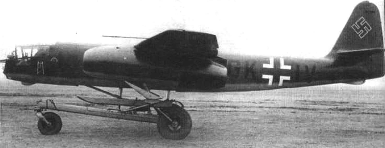 Ar234V-5 на взлетной тележке