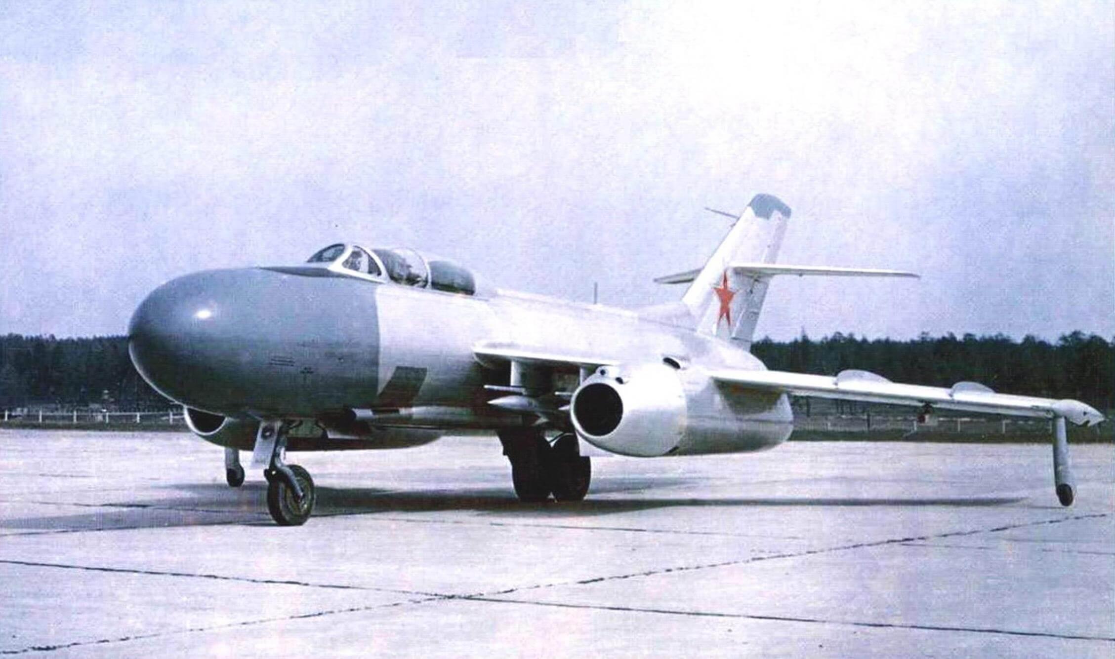 РАКЕТОНОСЕЦ Як-25К