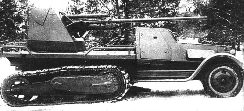 Полугусеничная самоходная установка 3ИС-41 на шасси вездехода ЗИС-22. Вооружена 57-мм противотанковой пушкой ЗИС-2. Масса установки - 7,5 т, мощность двигателя - 73 л.с.