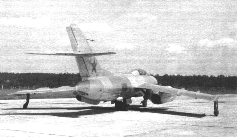 Як-25К с ракетами К-8