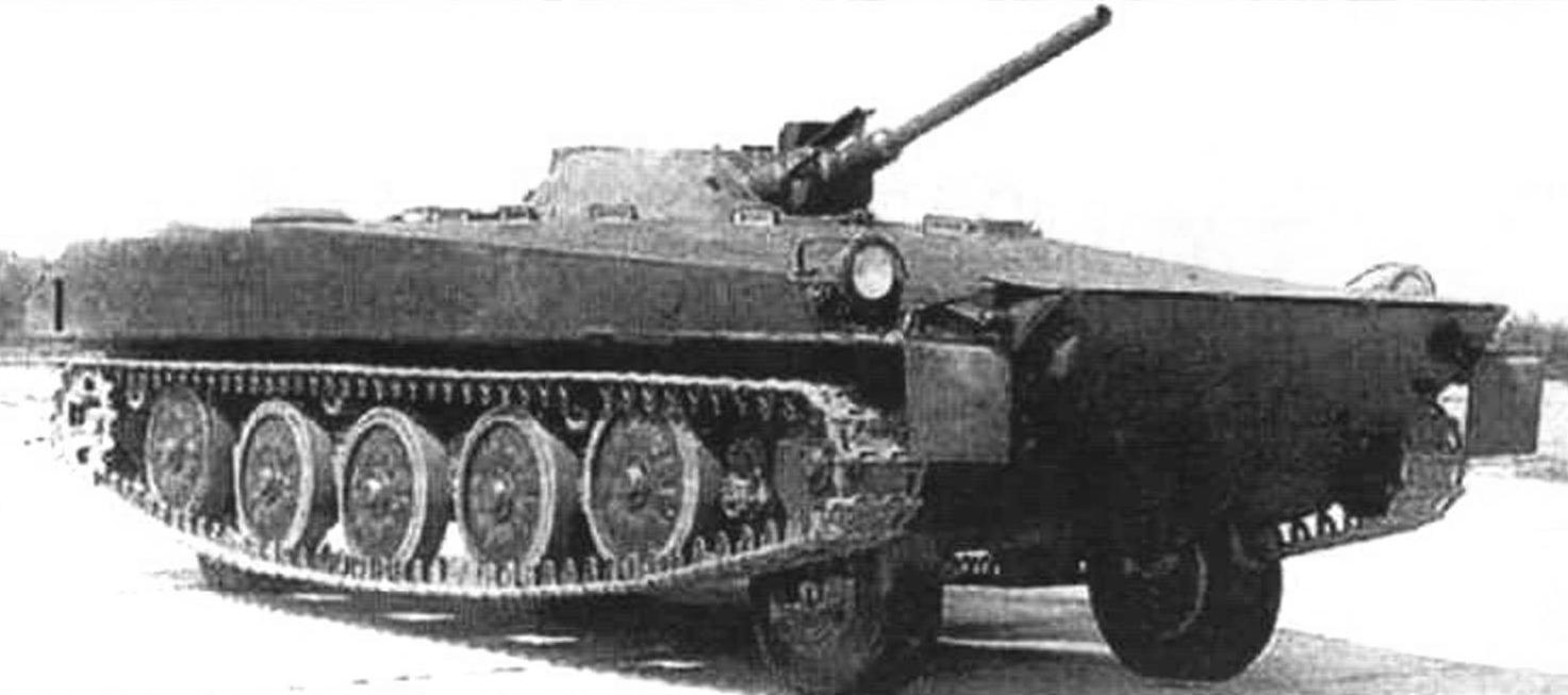 Самоходная установка «Объект 911» с 73-мм пушком 2А28. Масса САУ - 12,17 т. мощность двигателя - 300 л.с.