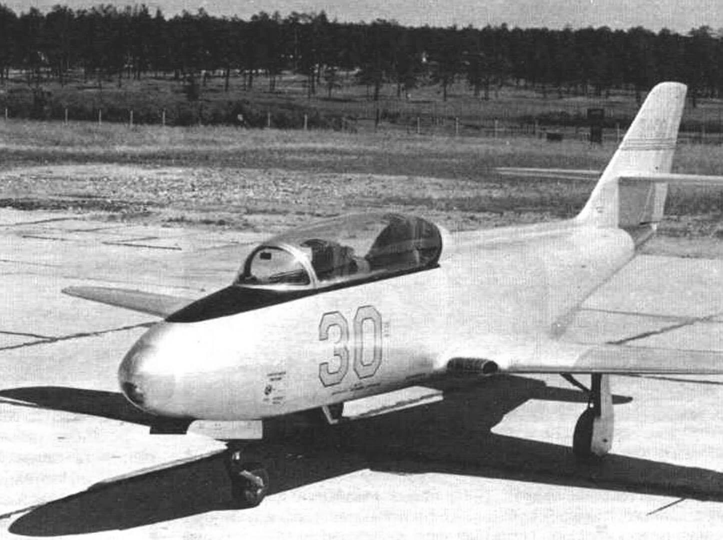 Первый прототип Як-30