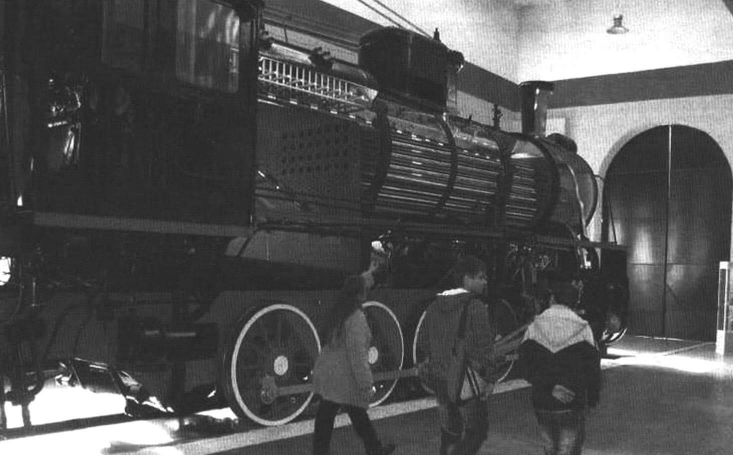 На станции Подмосковная экскурсанты могут увидеть препарированный паровоз