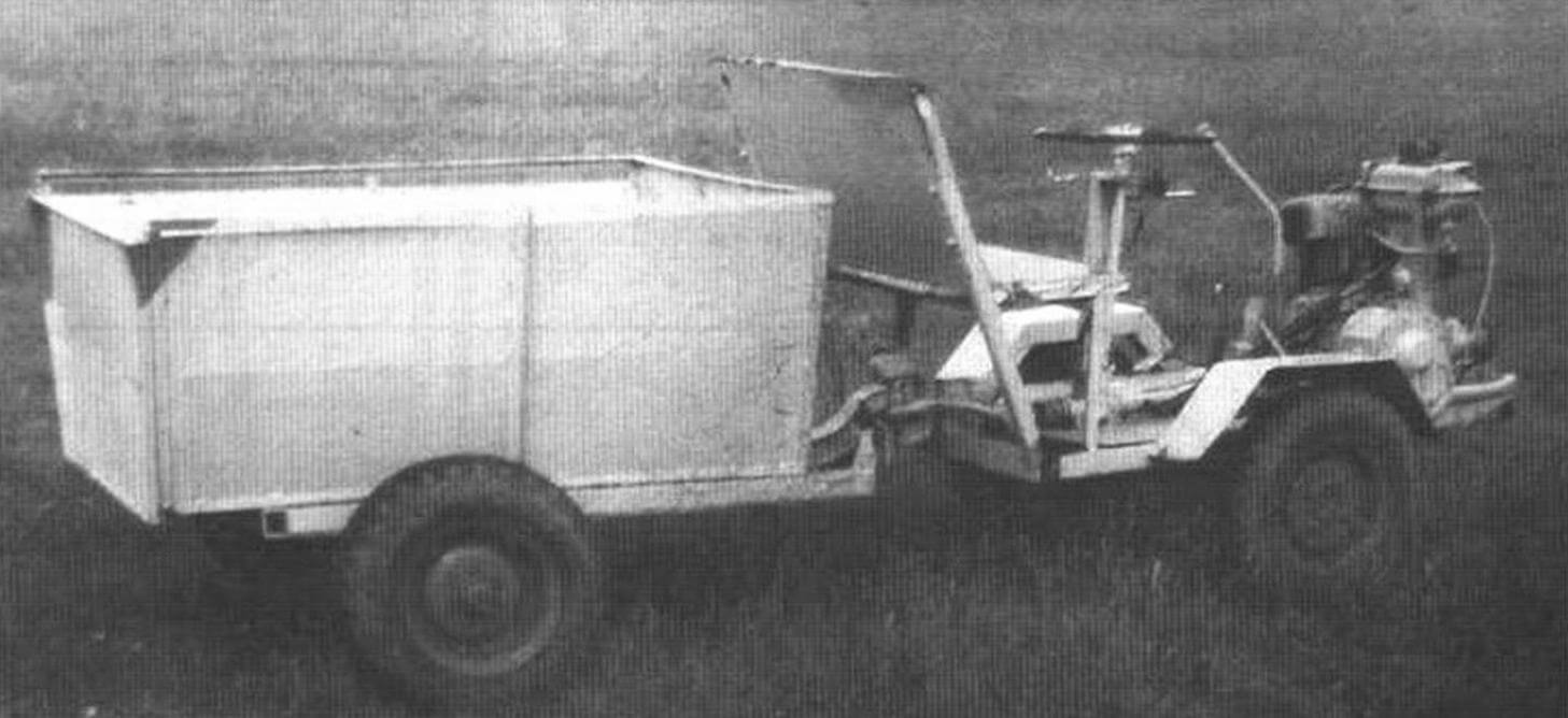 Трактор-мотоблок с двигателем от тульского мотороллера «ТМЗ-200». Колеса - от инвалидной коляски С3А. Редуктор - с задним ходом. Рама - «ломающаяся». На задней полураме смонтирован кузов. Конструкция создана в кружке «Тракторная техника» под руководством В.Ф. Важенина