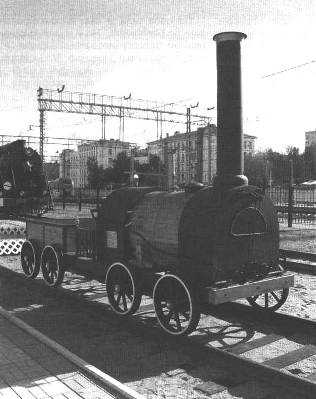 Реплика паровоза Черепановых