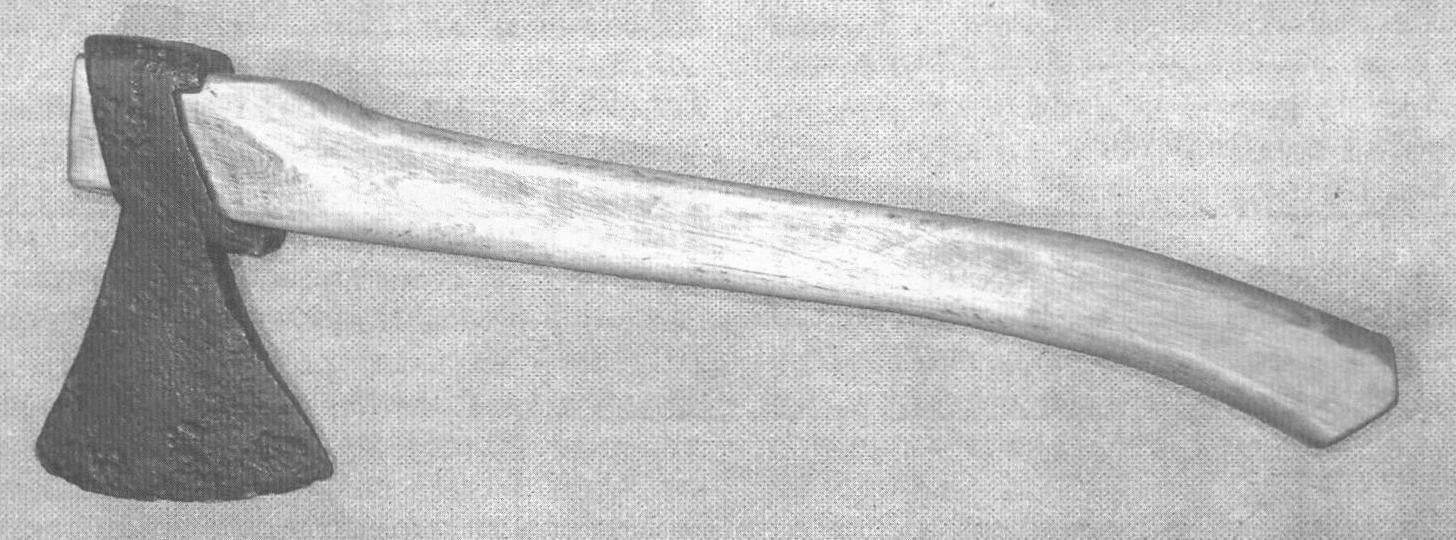 Рис. 4. Касимовский топор XVI - XVII века
