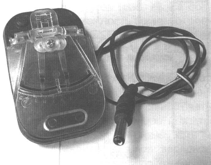 Фото 5. Адаптер для модели внедорожника от универсального ЗУ типа «лягушка»