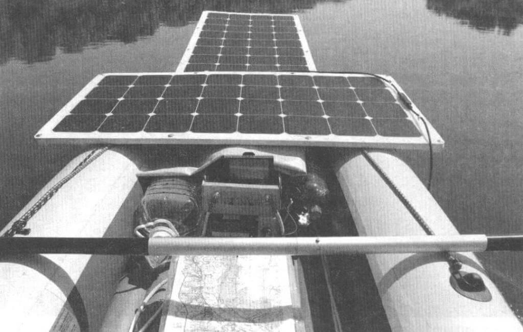 Вид с «капитанского мостика»: контрольные приборы, экран планшета-навигатора и карта всегда должны быть перед глазами
