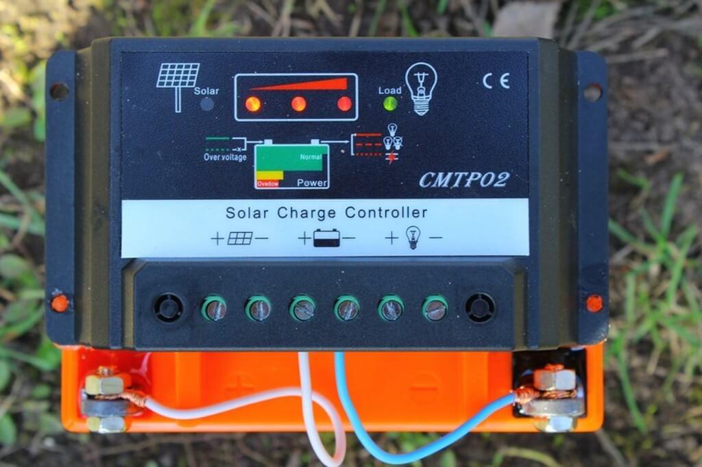 Контроллер -устройство, следящее за зарядкой и разрядкой буферного аккумулятора