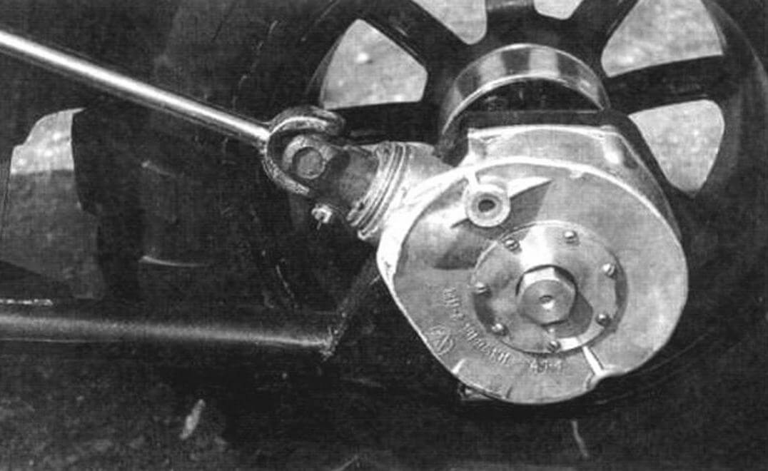 Привод заднего колеса