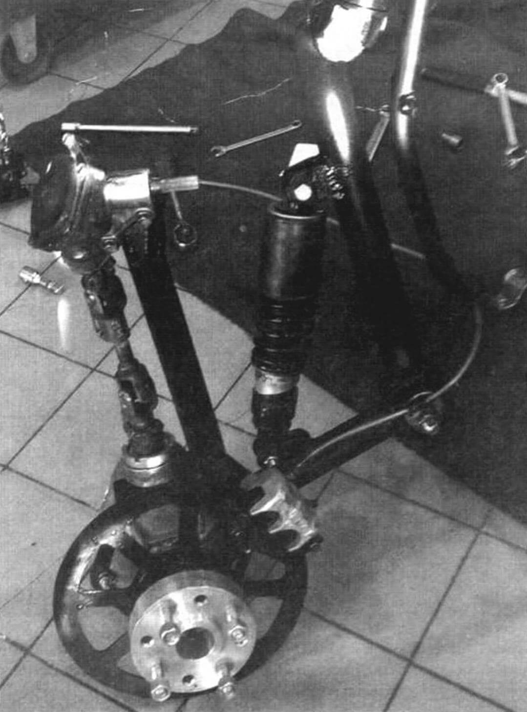 Передняя подвеска с редукторами (колесным и угловым) и дисковым тормозом