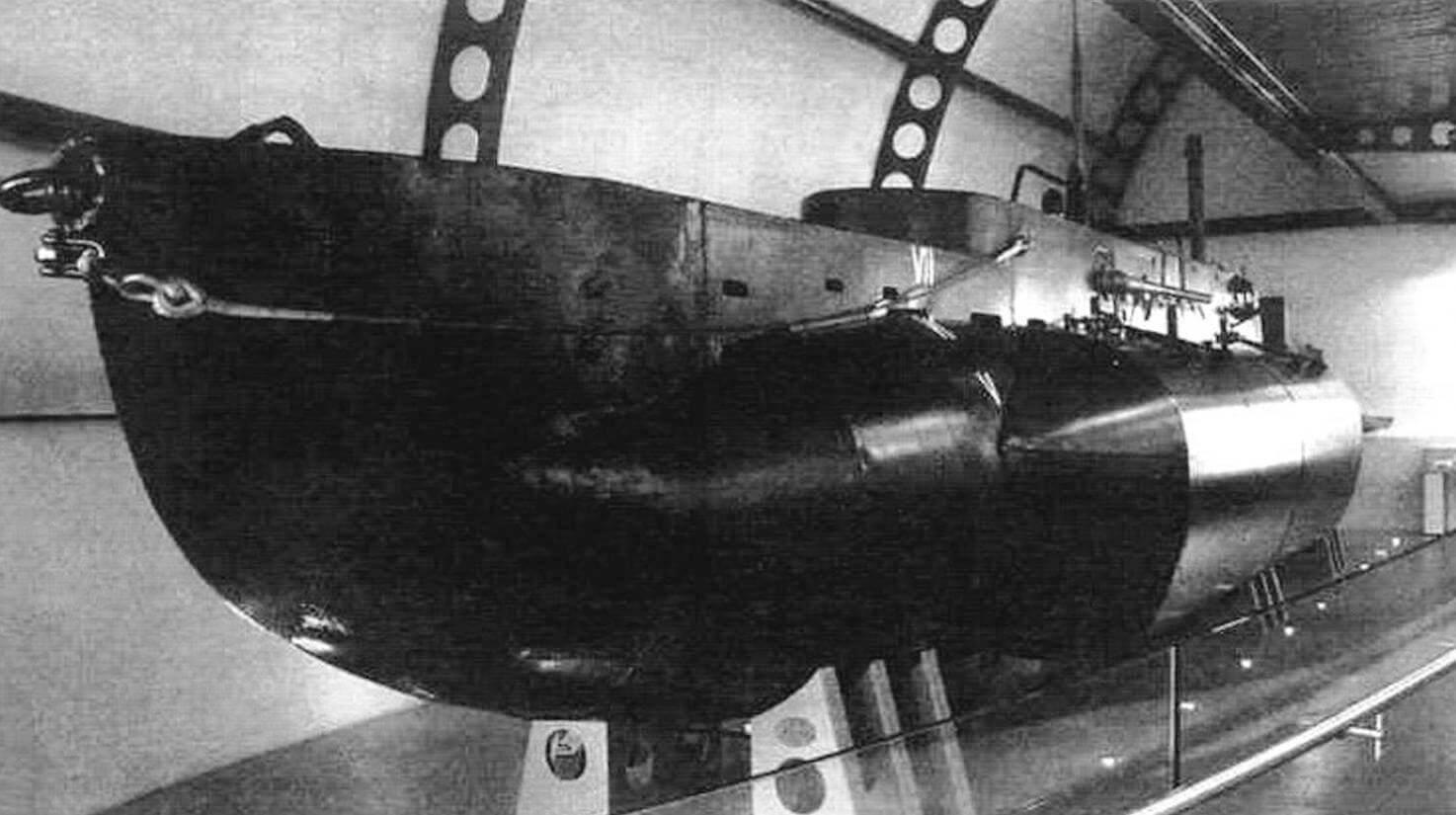 Х-24 в музее подводных лодок Королевскою флота в Госпорте. Это единственная уцелевшая до наших дней СМПЛ типа «X» военных серий, участвовавшая в боевых действиях