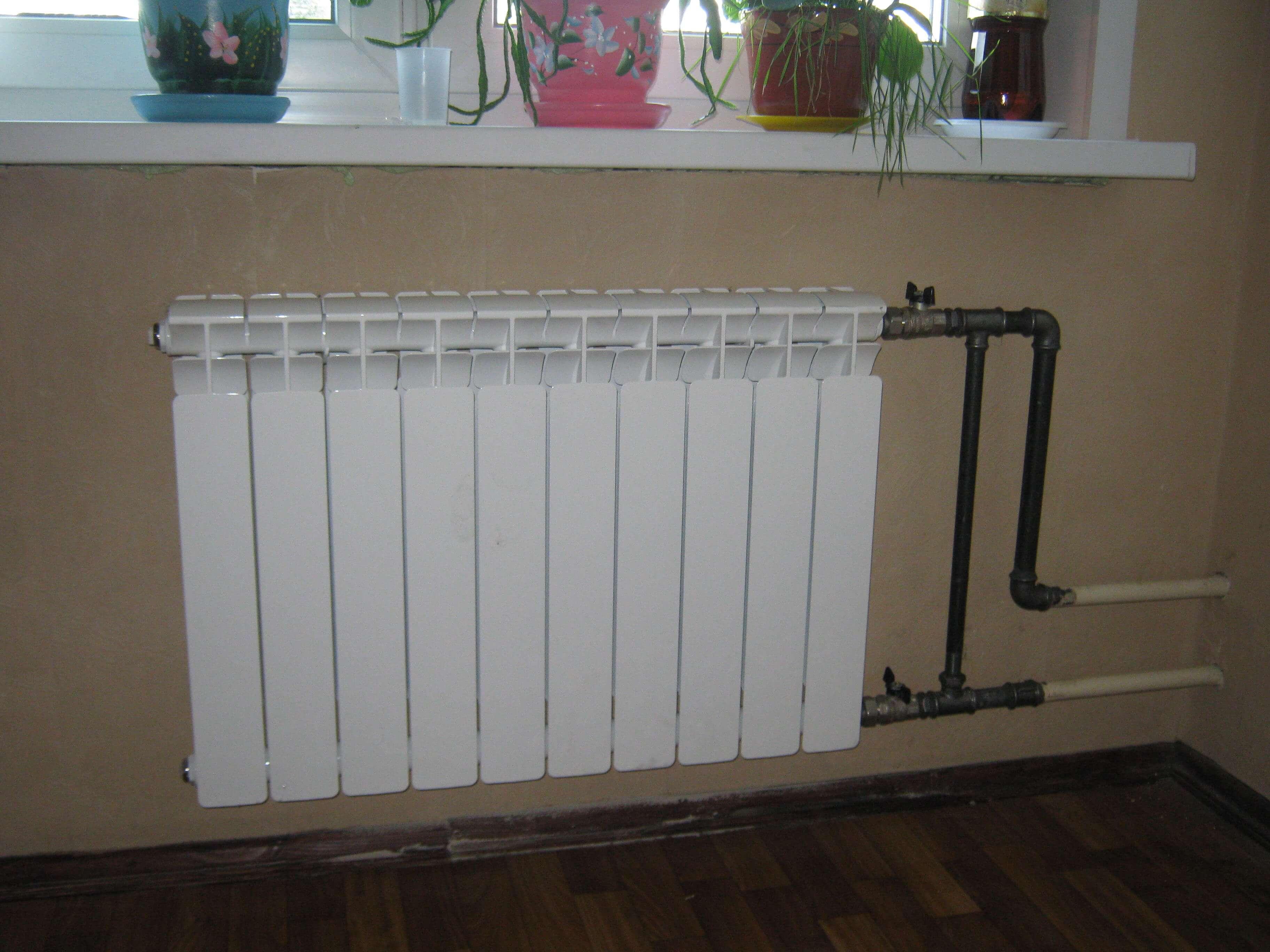 Замена и установка новых батарей отопления в жилых и офисных помещениях