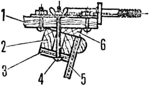 Рис. 6. Установка поперечины на корпус