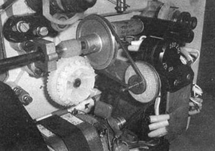 Понижение скорости проекции с использованием дополнительного двухступенчатого шкива и пассика