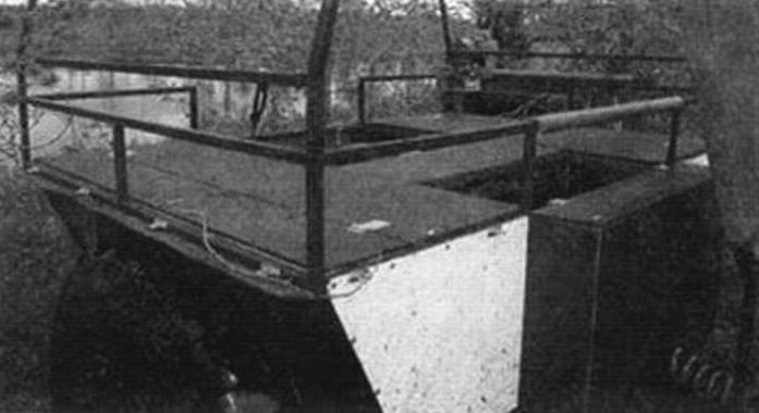 Задняя секция предназначена для перевозки пассажиров и/или груза, здесь, накрыв каркас тентом, можно устроить уютное походное жилье