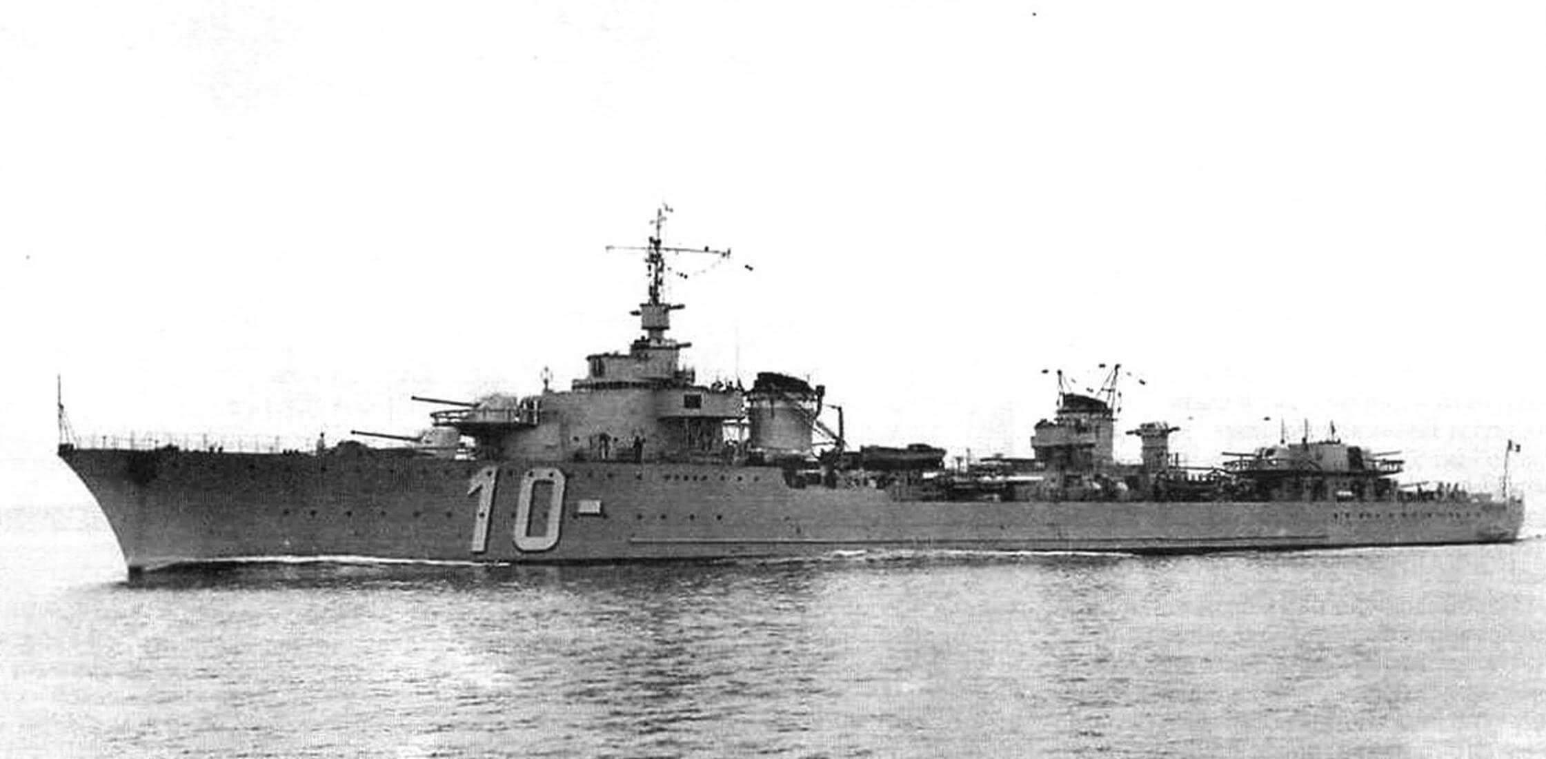 Лидер эскадренных миноносцев (контрминоносец) «Ле Фантаск», вступивший в строй в мае 1936 г.