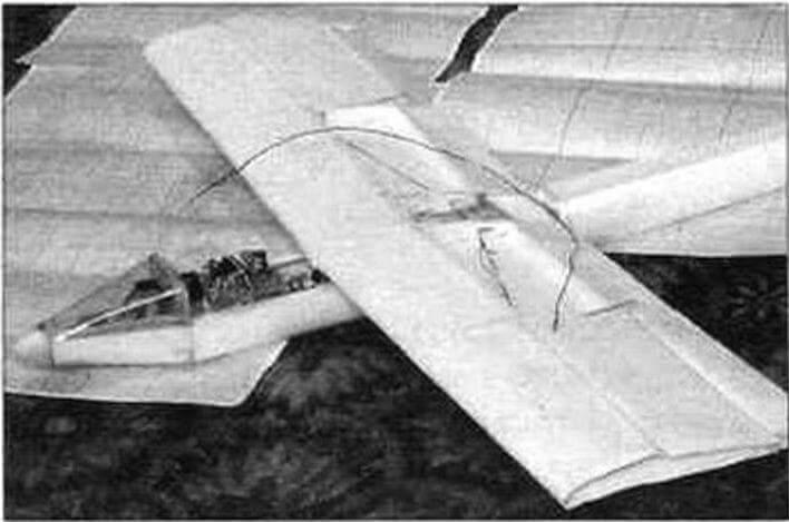 «Сиори» в процессе изготовления без законцовок крыла и части верхней обшивки центроплана