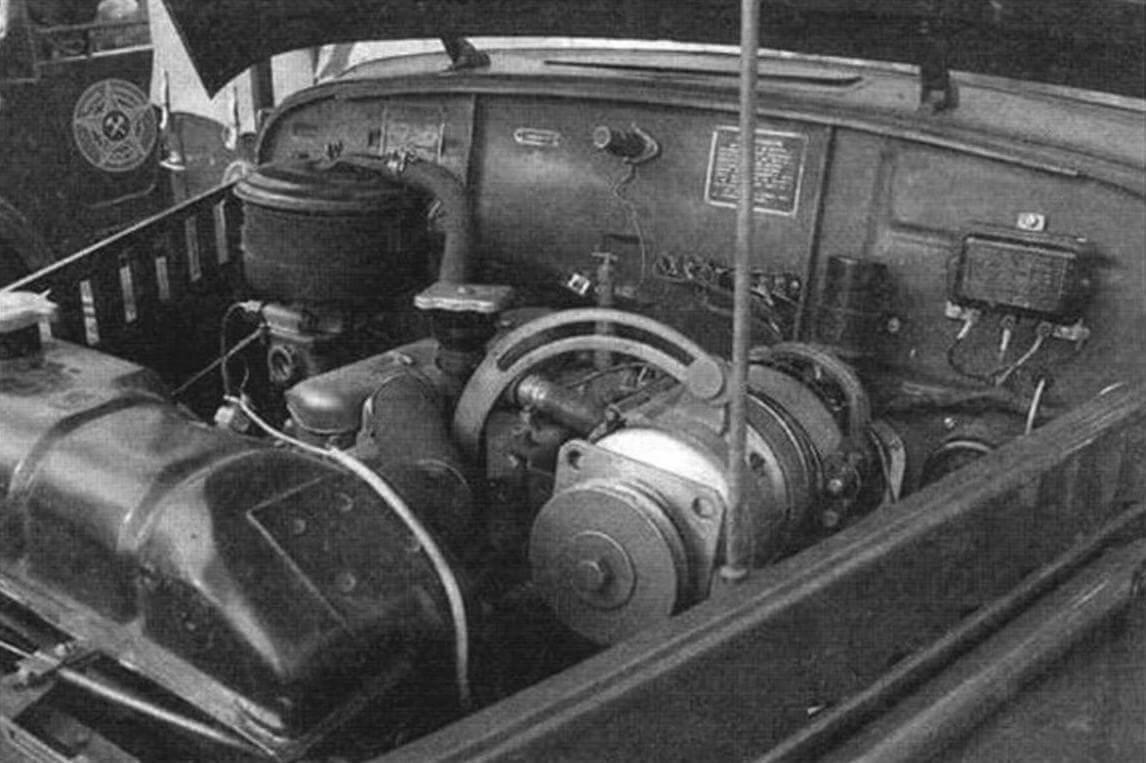 Для питания радиоаппаратуры на «газике» смотирован дополнительный генератор