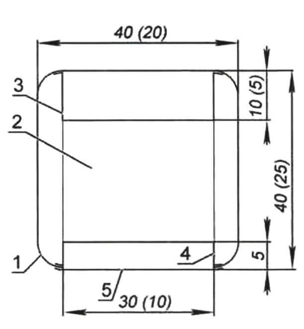 Сечение хвостовой балки «Сиори» по переднему шпангоуту: 1 - обшивка, бумага плотностью 75 г/м2; 2 - шпангоут, ватман; 3 - верхний стрингер, ватман; 4 - нижний стрингер, ватман; 5 - нижняя обшивка, ватман. В скобках указаны размеры хвостового шпангоута