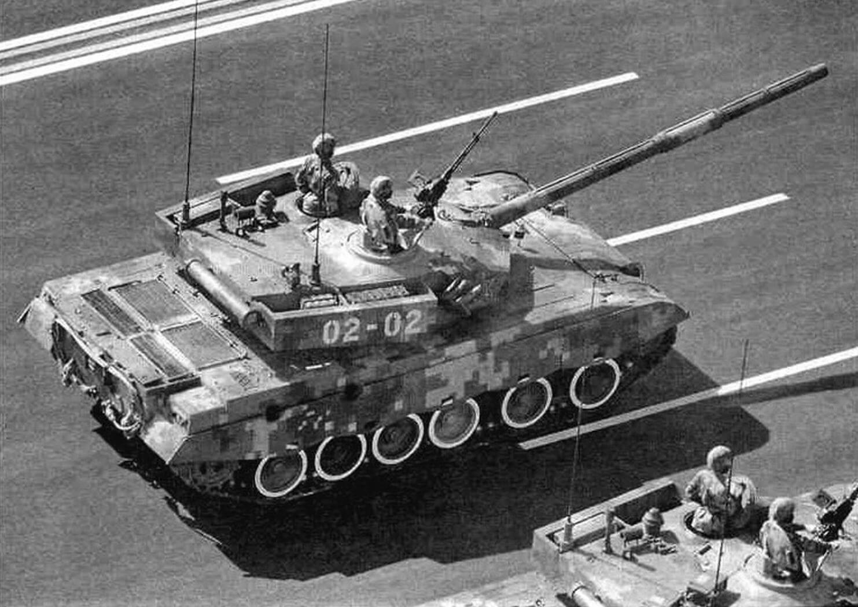 Тип 99 на параде