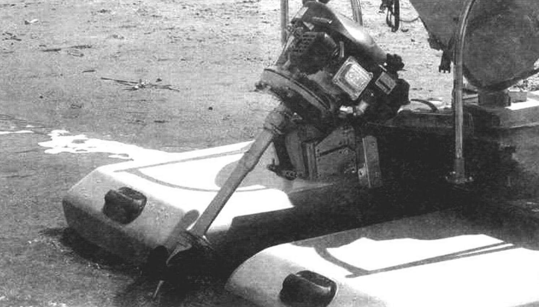 «Нара» с двигателем Champion G140VK на транце катамарана