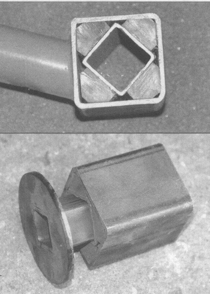 Конструкция резино-наполненного торсиона. Между двумя трубами квадратного сечения вставлен наполнитель - полоски полиуретана, внешняя труба неподвижна, а во внутреннюю входят оси рычагов подвески. Просто, но эффективно!