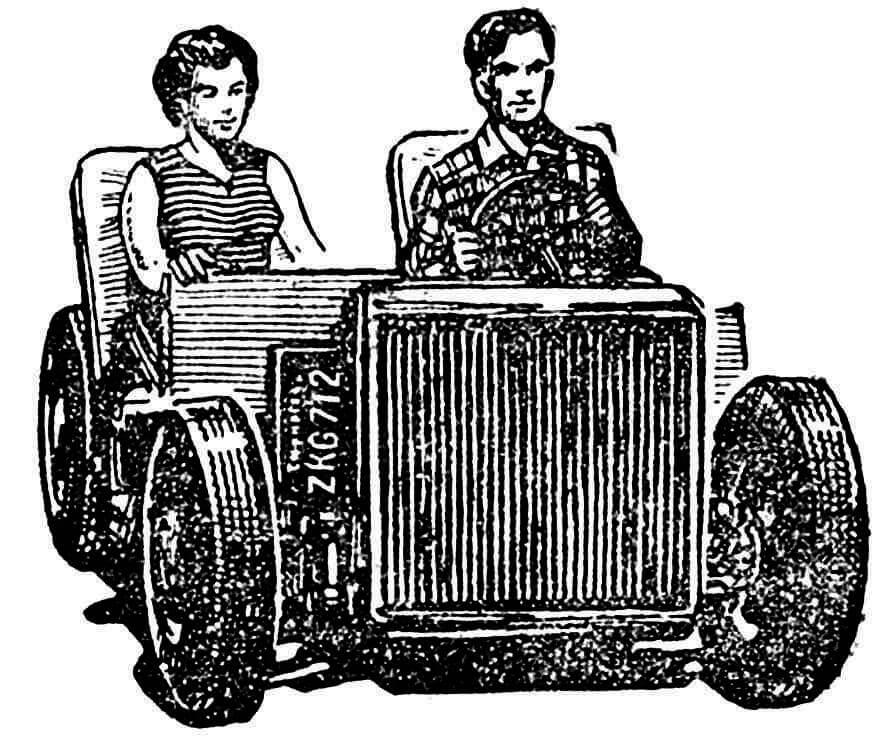 Рис. 1. Вот внешний вид этой машины. Огромный конденсатор вместо радиатора.