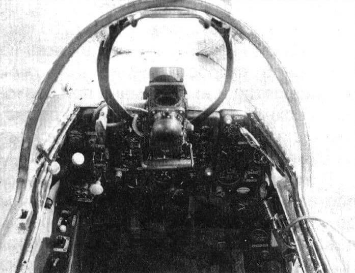 Приборная доска кабины курсанта самолета «180»