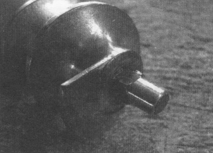 Бронзовая втулка на оси подающего винта