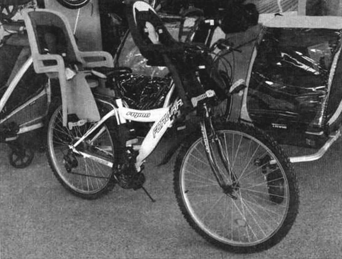 В каталоге Thule есть множество адаптеров для крепления детских кресел на руль, раму или багажник практически любого велосипеда. Все модели с ремнями безопасности, в опциях - прозрачные экраны от ветра и насекомых