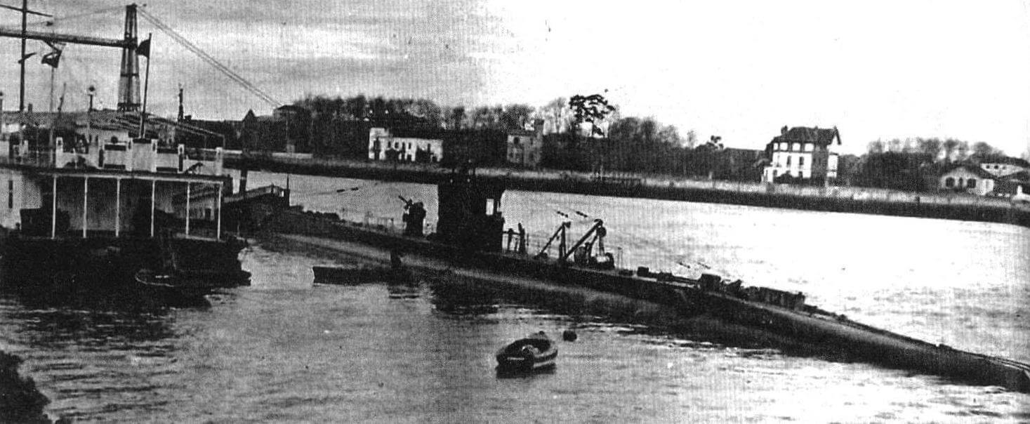 Подводная лодка «С-1» (Испания, 1928 г.) Строилась на верфи фирмы в Картахене. Тип конструкции - двухкорпусный. Водоизмещение надводное/подводное 925/1145 т. Размеры: длина 73,30 м, ширина 6,33 м, осадка 5,64 м. Глубина погружения - до 85 м. Двигатель: два дизеля, мощность 2000 л.с. + два электромотора, мощность 750 л.с., скорость надводная/подводная 16,5/8,5 уз. Вооружение: шесть 533-мм торпедных аппаратов (четыре в носу и две в корме, 12 торпед), одно 76-мм или 75-мм орудие. Экипаж: 40 чел. В 1928 -1930 годах построено шесть единиц, «С-1» - «С-6». «С-3» и «С-5» погибла в декабре 1936 года, «С-5» затоплена командой в октябре 1937 г., «С-4» погибла в результате аварии в июне 1946 г. Две оставшиеся исключены из списков и сданы на слом в 1950-1951 гг.