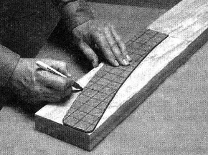 Использование шаблона для разметки заготовок ножек