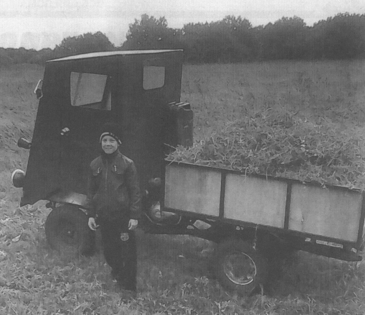 Мини-грузовик стал отличным помощником в хозяйстве
