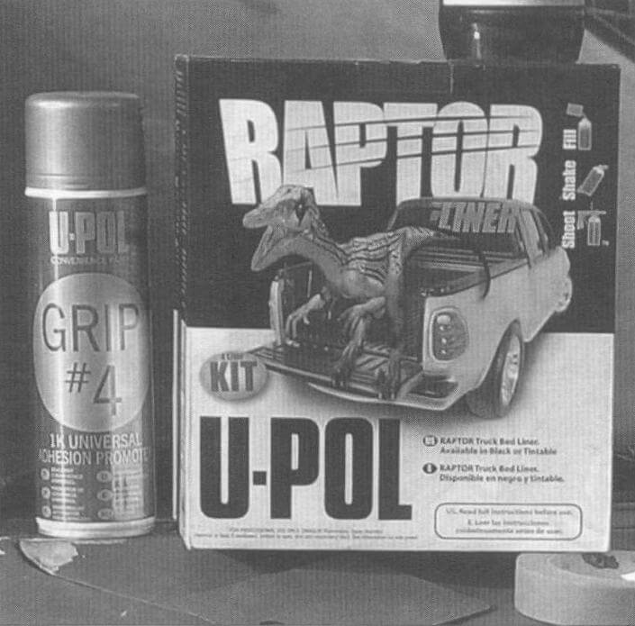Препарат Grip4 необходим при нанесении Raptor U-POL по краске и лаку для улучшения адгезии