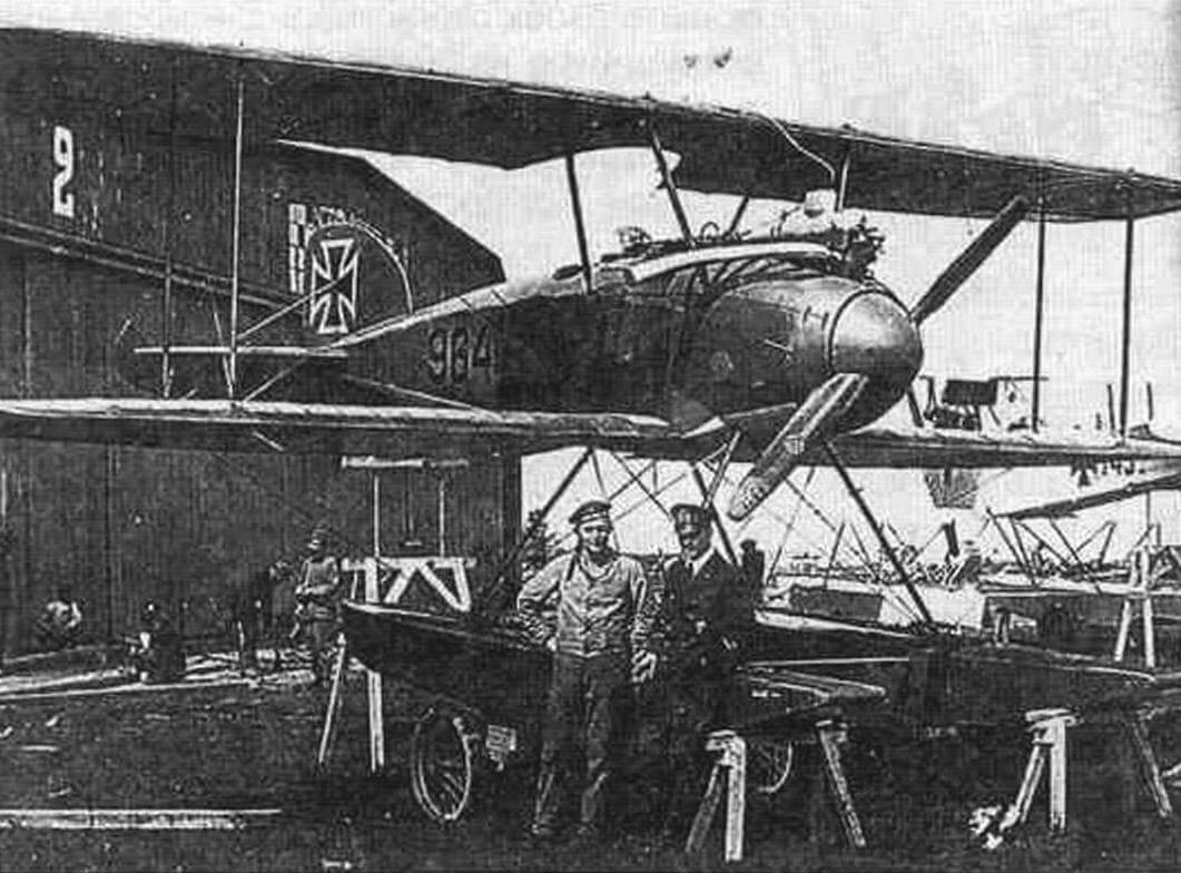 Самолет № 964 на гидроавиастанции Виндау, 12 февраля 1917 г.