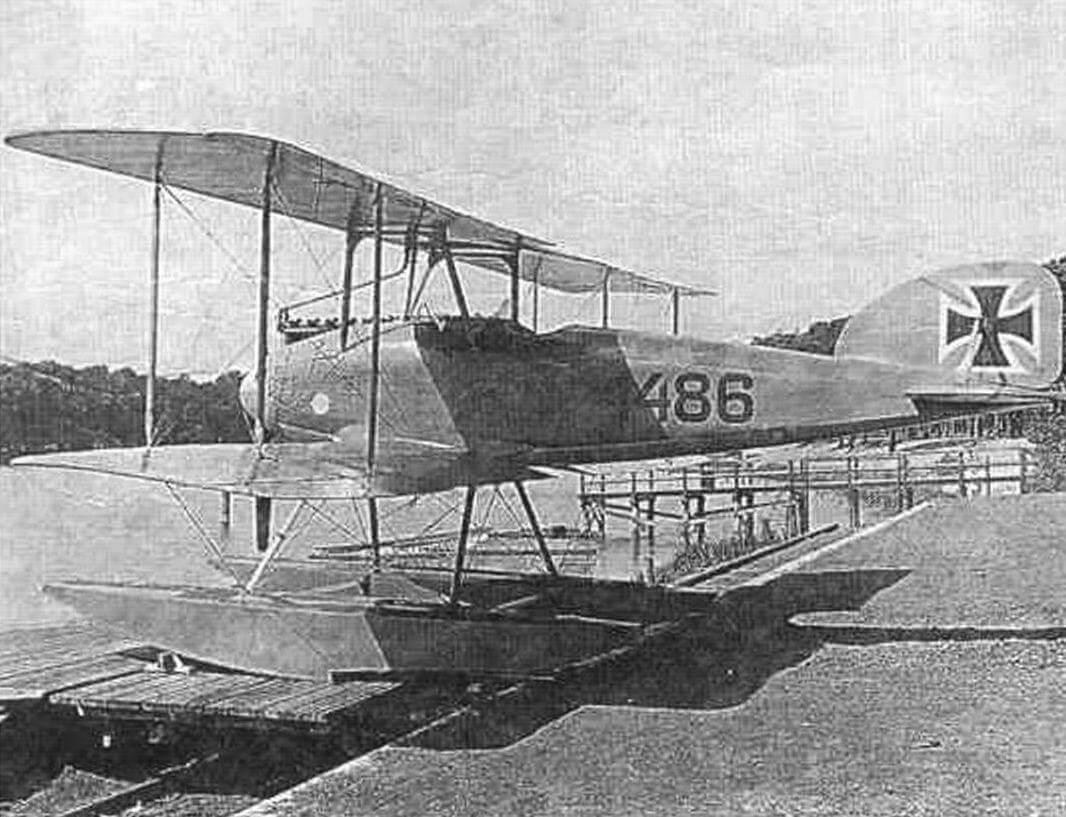 W.4 № 1486 на слипе фабрики «Альбатрос», июль 1917 г.