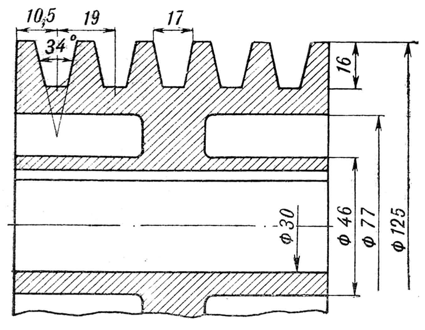 Рис. 3. Шестеренчатый редуктор с цепью к винту: 1 — уплотнение, фетр; 2 — кольцо НК35, сталь 65Г; 3 — болт М6х20, сталь 35; 4 — прокладка регулировочная, сталь 10; 5 — стакан, сталь 45; 6 — кольцо промежуточное, сталь 45; 7 — подшипник радиальный № 207; 8 — вал-шестерня, сталь 40хН; 9 — корпус, силумин АЛ-2; 10 — подшипник игольчатый № 402482е; 11 — шпонка 10x8x25 мм, сталь 45; 12 — зубчатое колесо, зубьев — 73, сталь 40Х; 13 — болт М8х16, сталь 35; 14 — прокладка ᴓ 210 мм; 15 — крышка корпуса, силумин АЛ-2; 16 — крышка подшипника, сталь 35; 17 — болт М6x16, сталь 35; 18 — звездочка, сталь 45; 19 — шпонка; 20 — болт М5х8; 21 — шайба 5; 22 — обойма; 23 — болт М4х8; 24 — шайба 4; 25 — уплотнение ᴓ 10/5x1; 26 — болт М5х12; 27 — прокладка: 28 — шпонка 5x5x14; 29 — винт М3х6; 30 — гайка круглая; 31 — уплотнение: 32 — шпонка 6x6x20; 33 — муфта 1-50x20 МНЗ-61; 34 — вал; 35 — кожух; 36 — прокладка ᴓ 90х70х1; 37 — крышка обоймы; 38 — винт М4х8; 39 — гайка круглая; 40 — прокладка ᴓ 170х120x1; 41 — 6oлт М10х175.