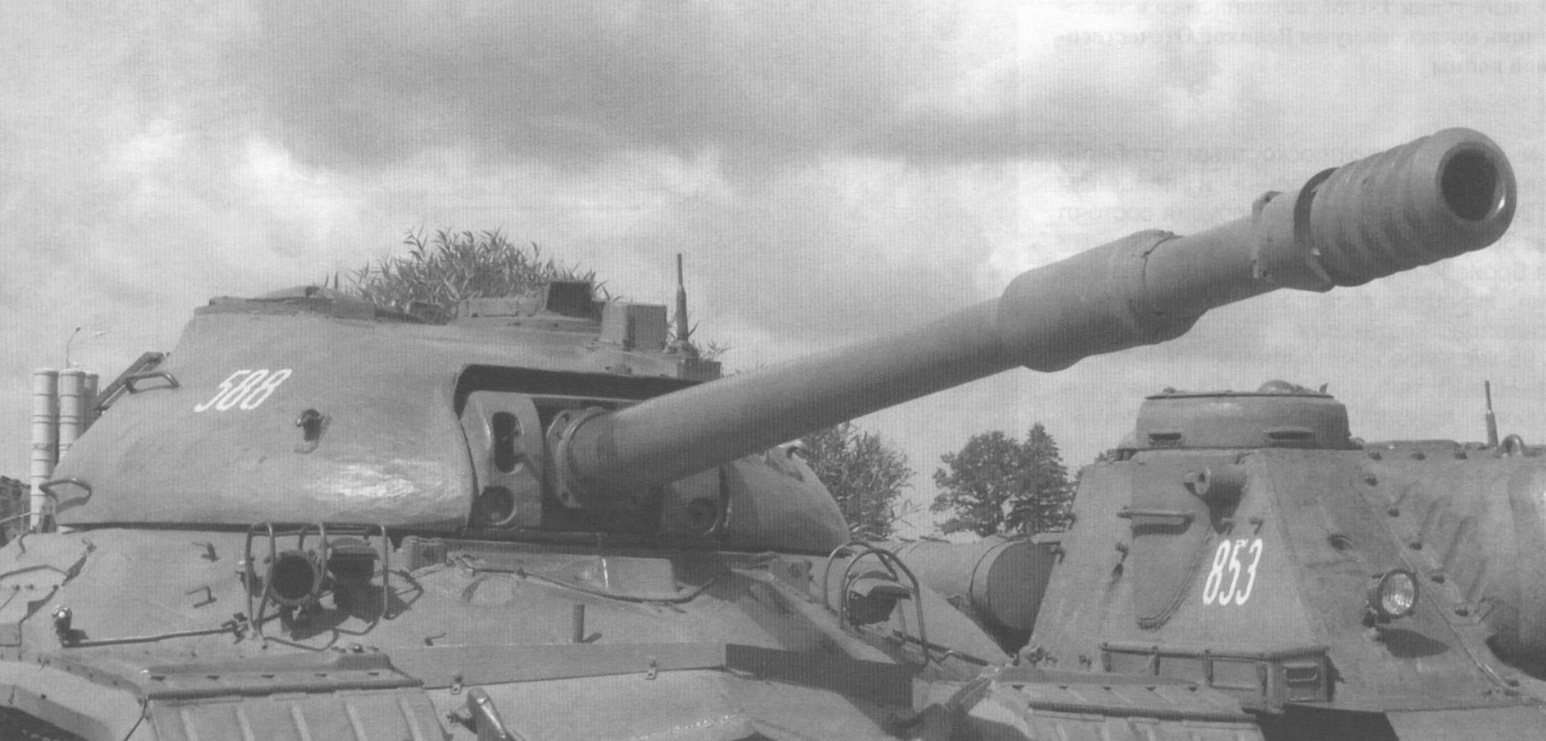 Башня танка Т-10М в экспозиции музейного комплекса «Линия Сталина», Минская область
