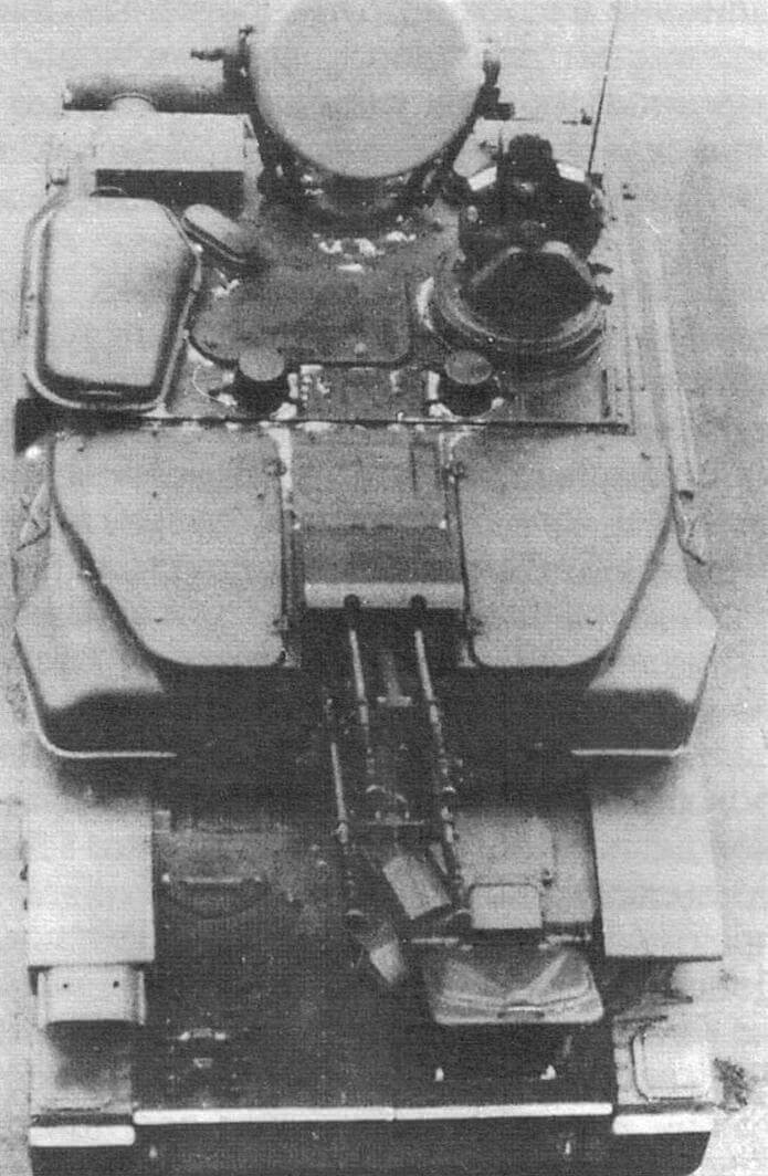 ЗСУ-23-4М. При общей идентичности конструкции с ЗСУ-23-4В1 обращают на себя внимание большой колпак системы вентиляции на крыше башни справа и крышка амбразуры пушки «Амур»
